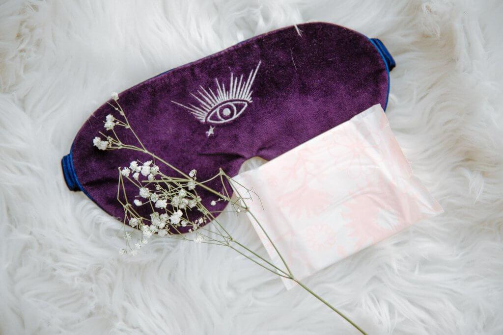 sanitary-pad-on-sleep-mask-3958543
